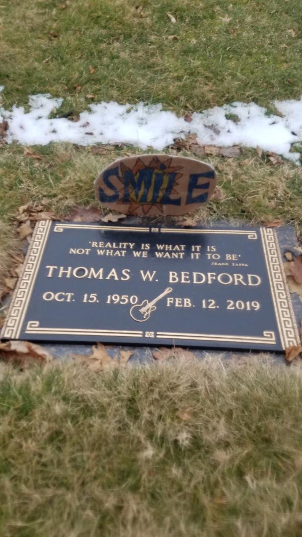 t Bedford grave (2).jpg
