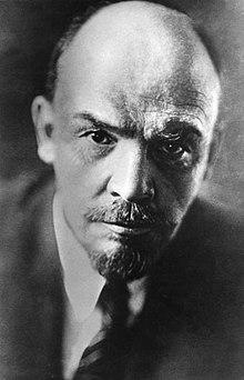 220px-Bundesarchiv_Bild_183-71043-0003,_Wladimir_Iljitsch_Lenin.jpg