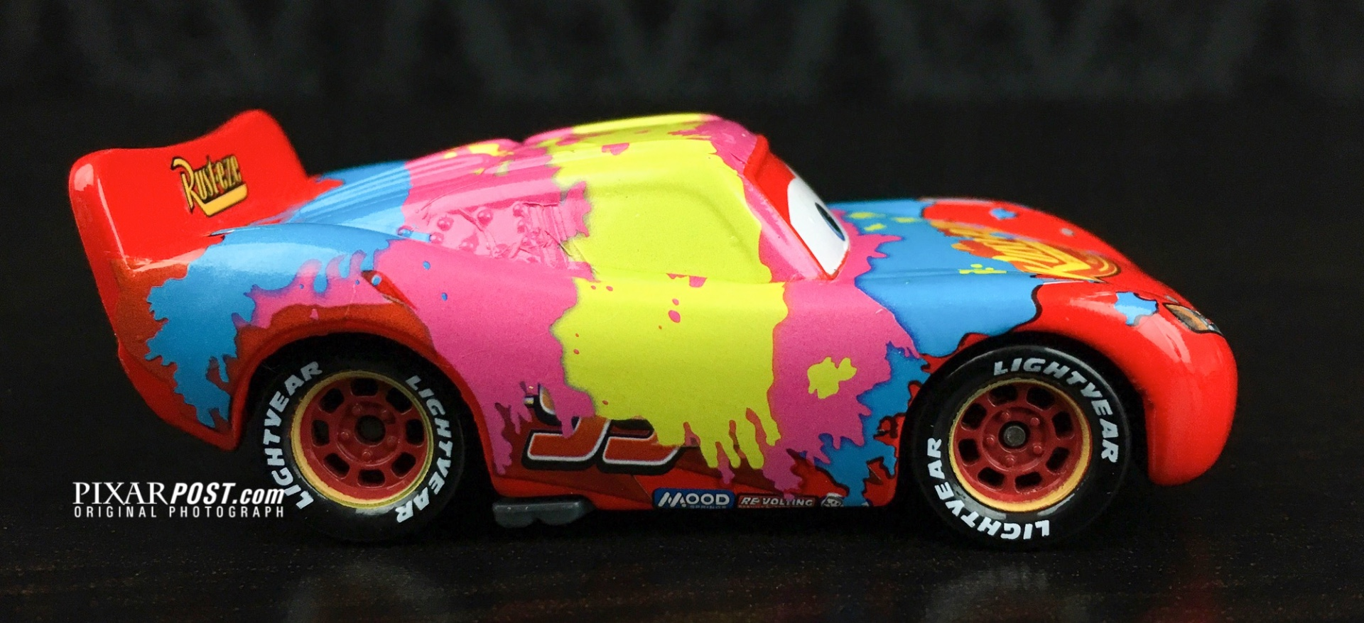 Mater and the Easter Bunny - Lightning McQueen die cast_001.jpg
