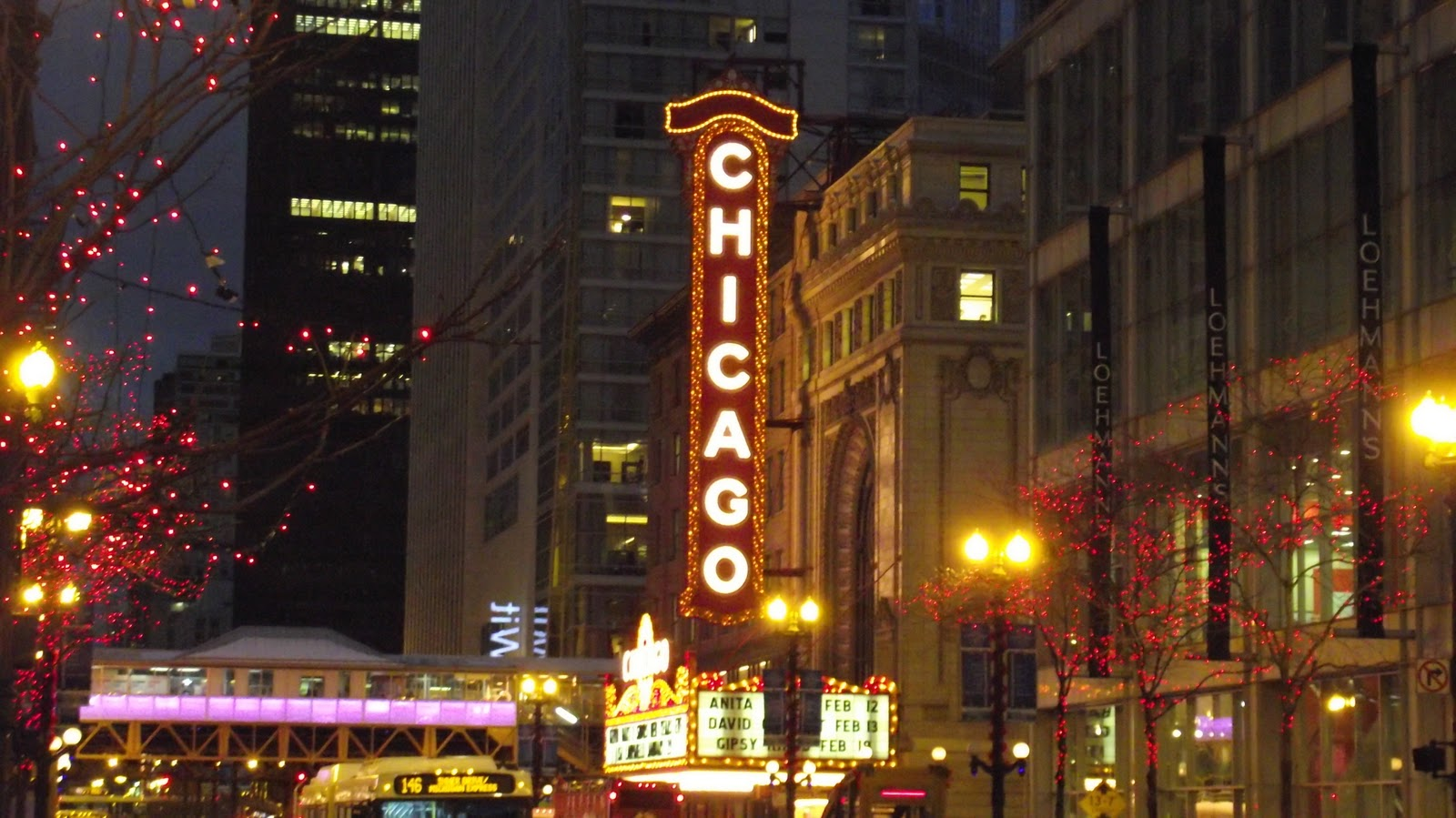 christmas-in-chicago-lmfrgdgr.jpg