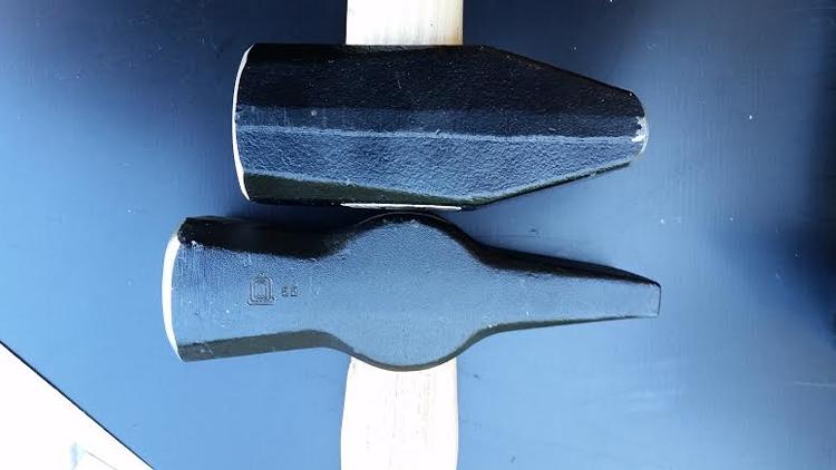 hammer handle axis radius.png