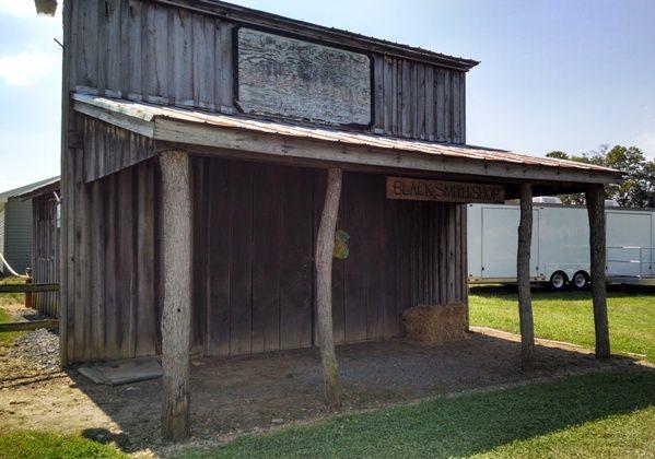 williams grove blacksmith shop.png