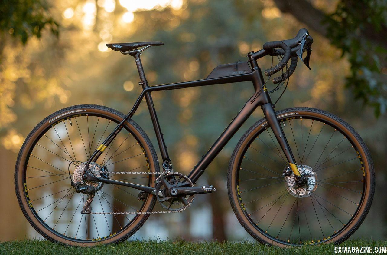 fuji-2019-carbon-jari-gravele-bike-IMG_3738-HDR-cxmagazine-ay.jpg