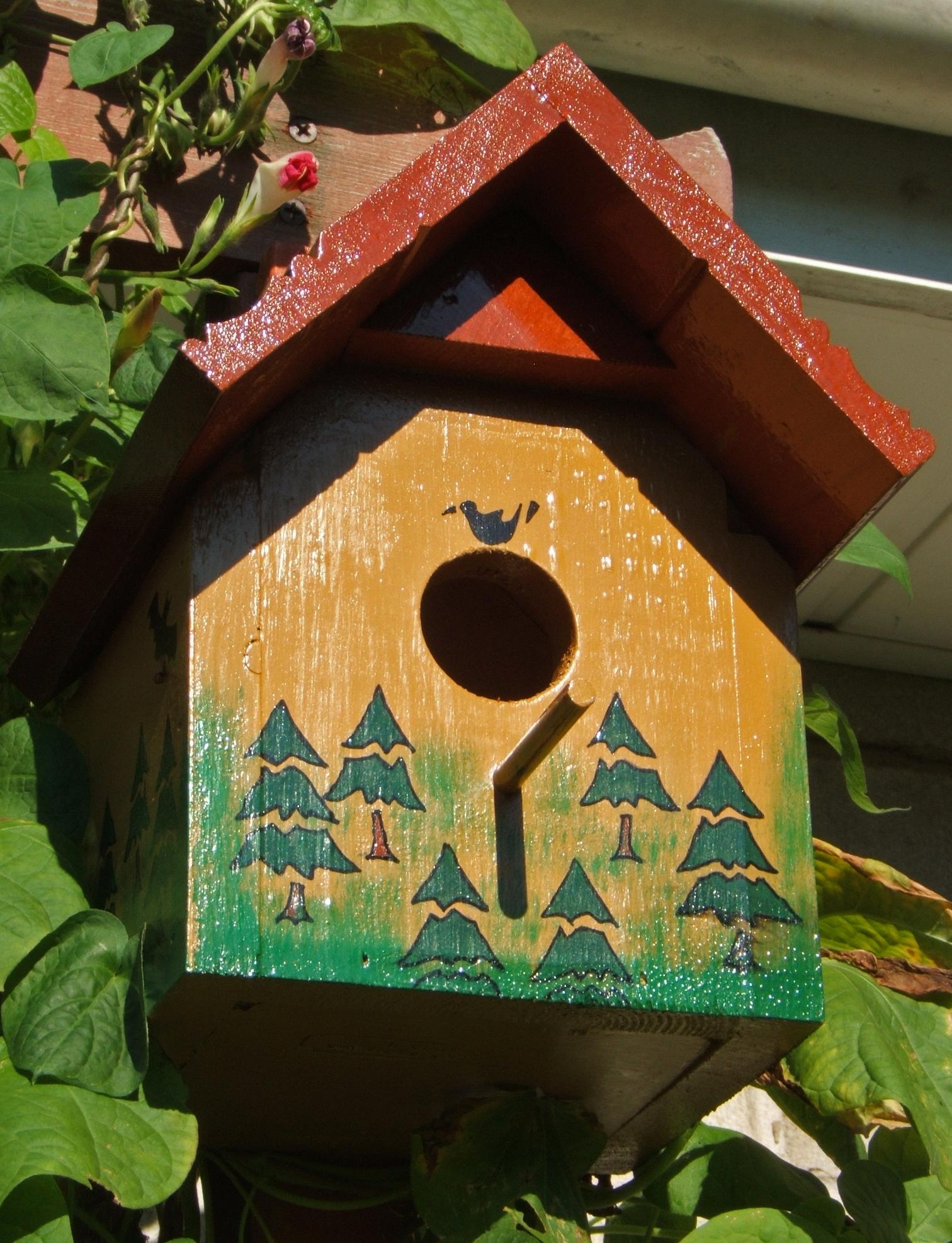Woods Theme Bird House 1 of 2.jpg