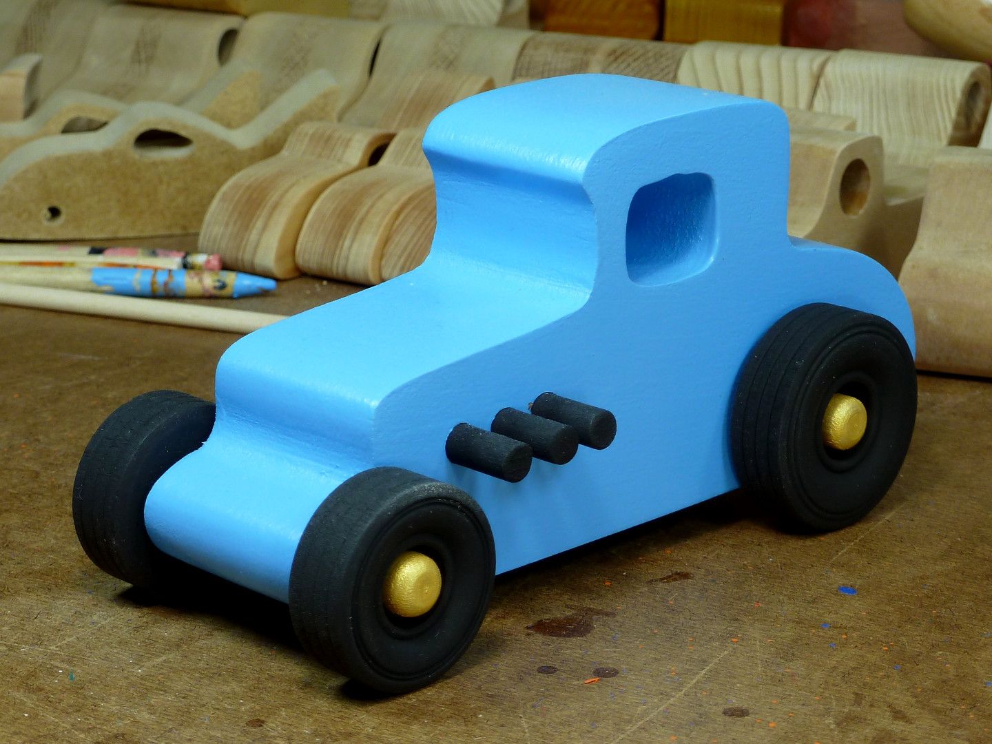 20170522-192500 Wooden Toy Car - Hot Rod Freaky Ford - 27 T Coupe - MDF - Blue - Black - Gold 01.jpg