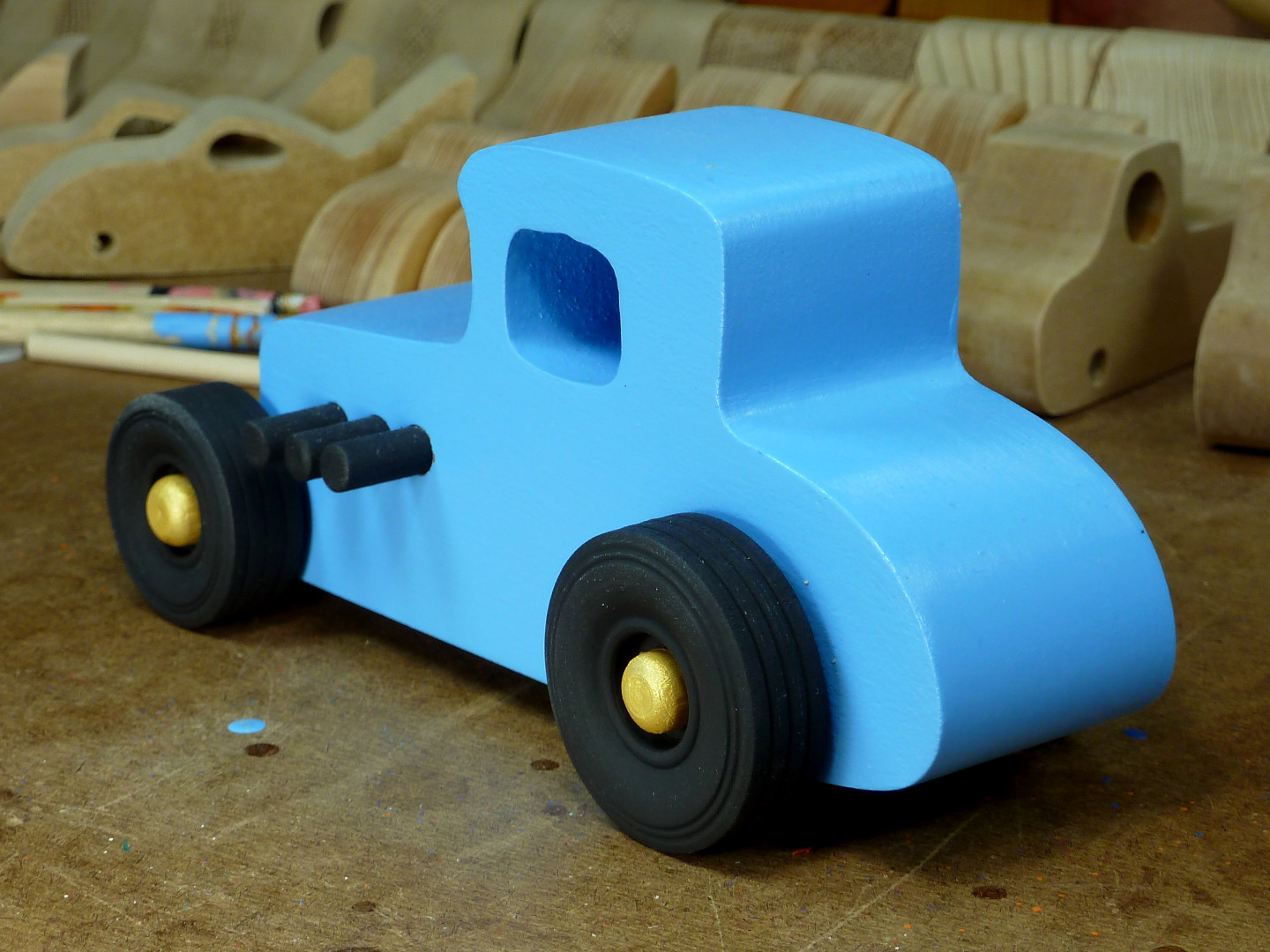 20170522-192744 Wooden Toy Car - Hot Rod Freaky Ford - 27 T Coupe - MDF - Blue - Black - Gold 05.jpg