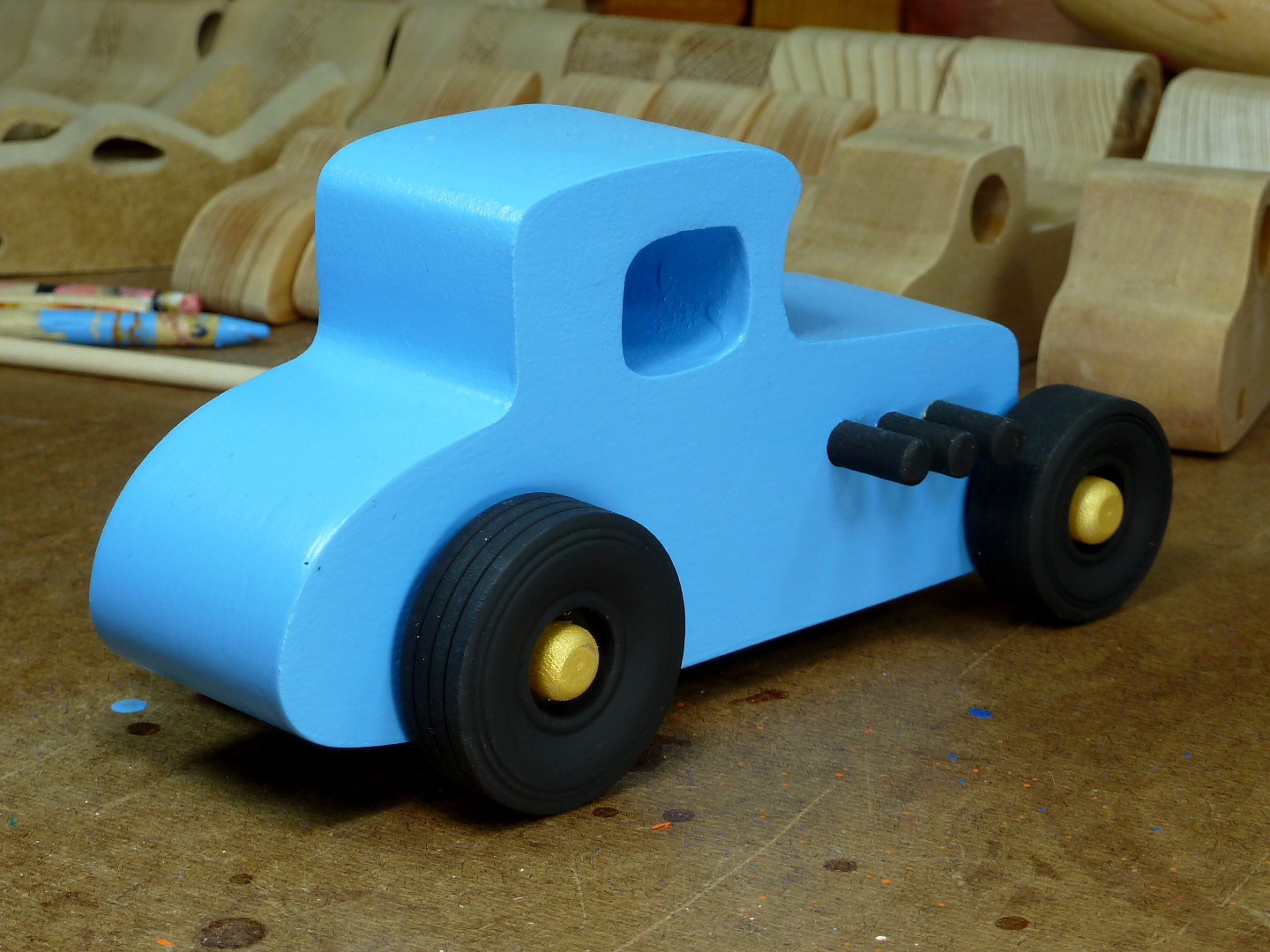 20170522-192812 Wooden Toy Car - Hot Rod Freaky Ford - 27 T Coupe - MDF - Blue - Black - Gold 06.jpg