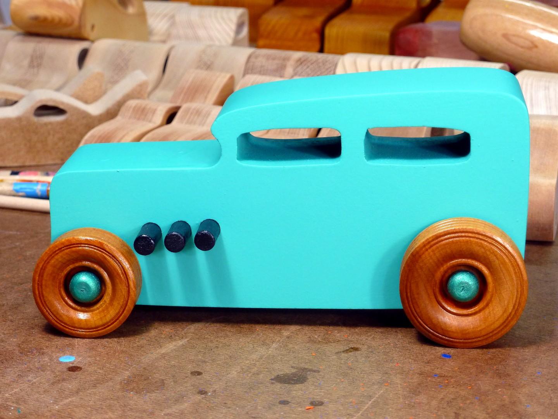 20170522-142221 Wooden Toy Car - Hot Rod Freaky Ford - 32 Sedan - MDF - Green - Amber Shellac.jpg