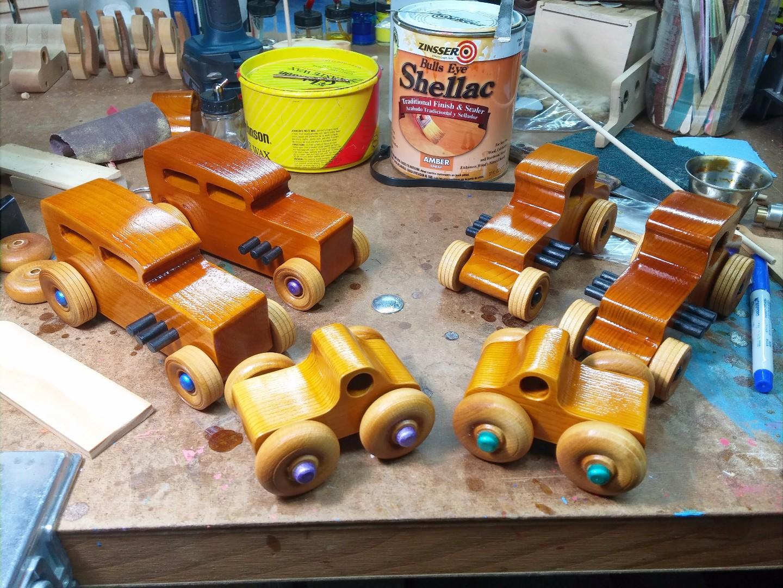 20170720_210615 Wooden toy cars & trucks Play Mal Monster Trucks Hot Rod Freaky Ford 32 For Sedan 32 Ford Coupe Garage Shop Workbench.jpg