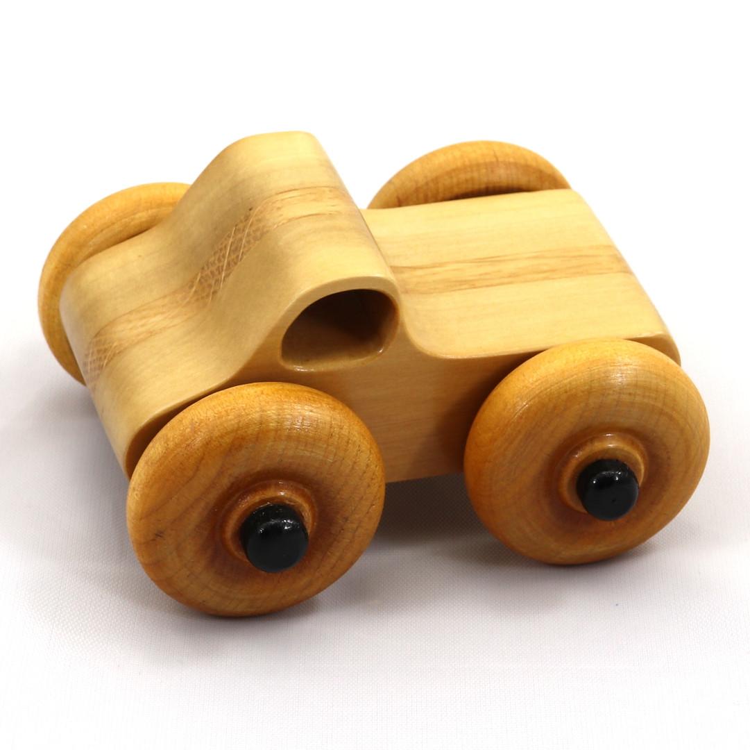 20180425-181735 - Wooden Toy Truck - Play Pal - Monster Truck - Lamina.jpg