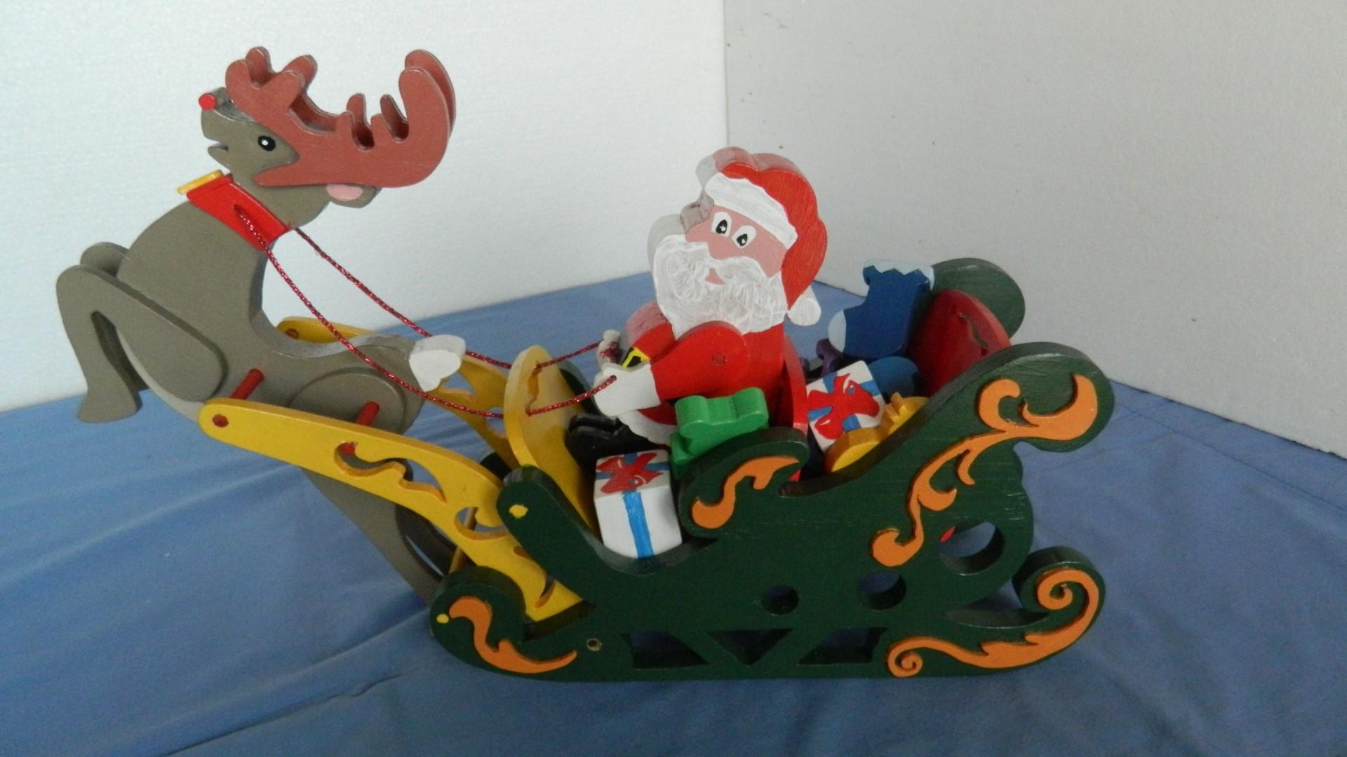 santa sleigh and reindeer1.jpg