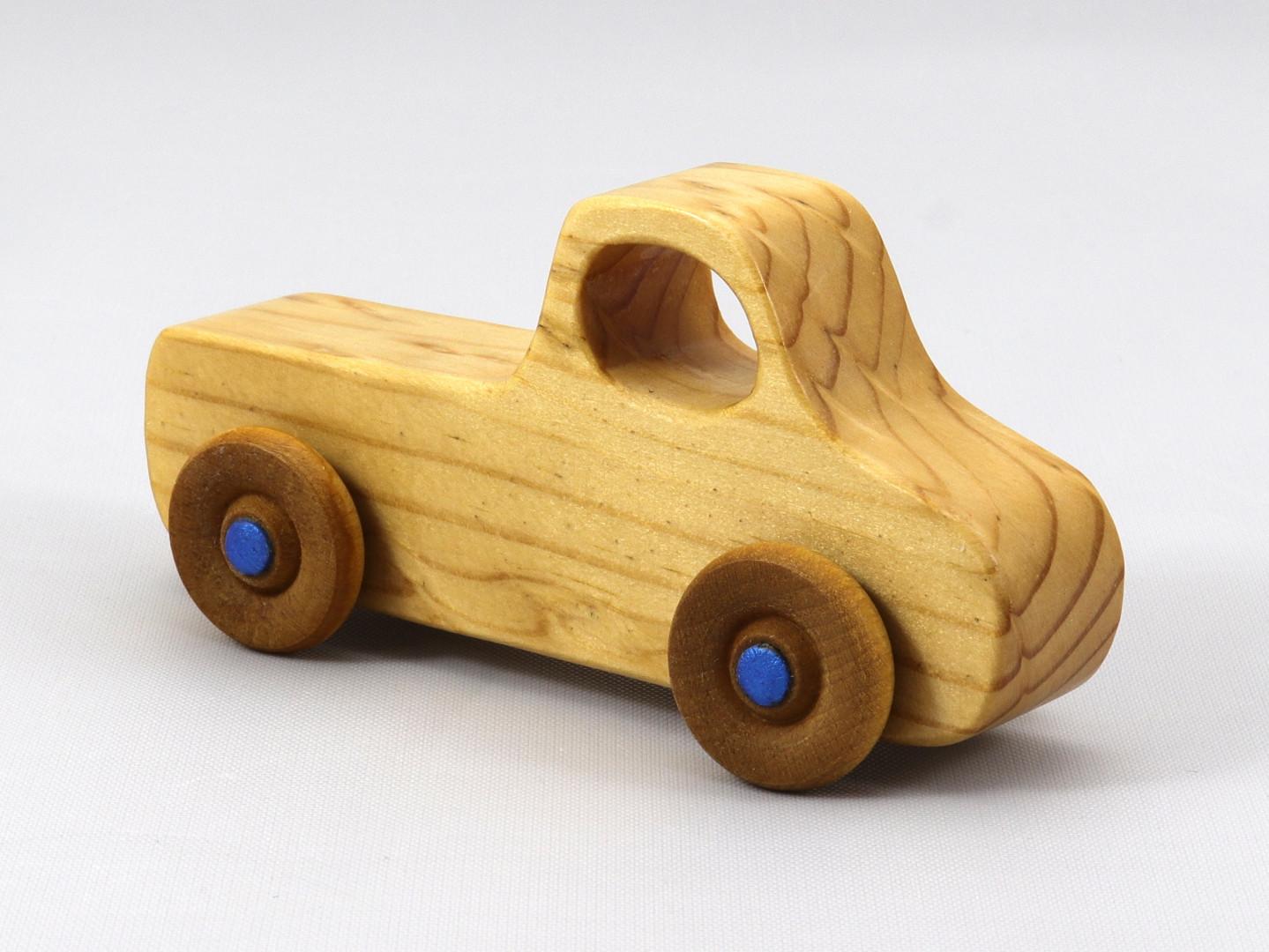 20200105-122043 023 Handmade Wooden Toy Truck Play Pal Pickup Pocket T.jpg