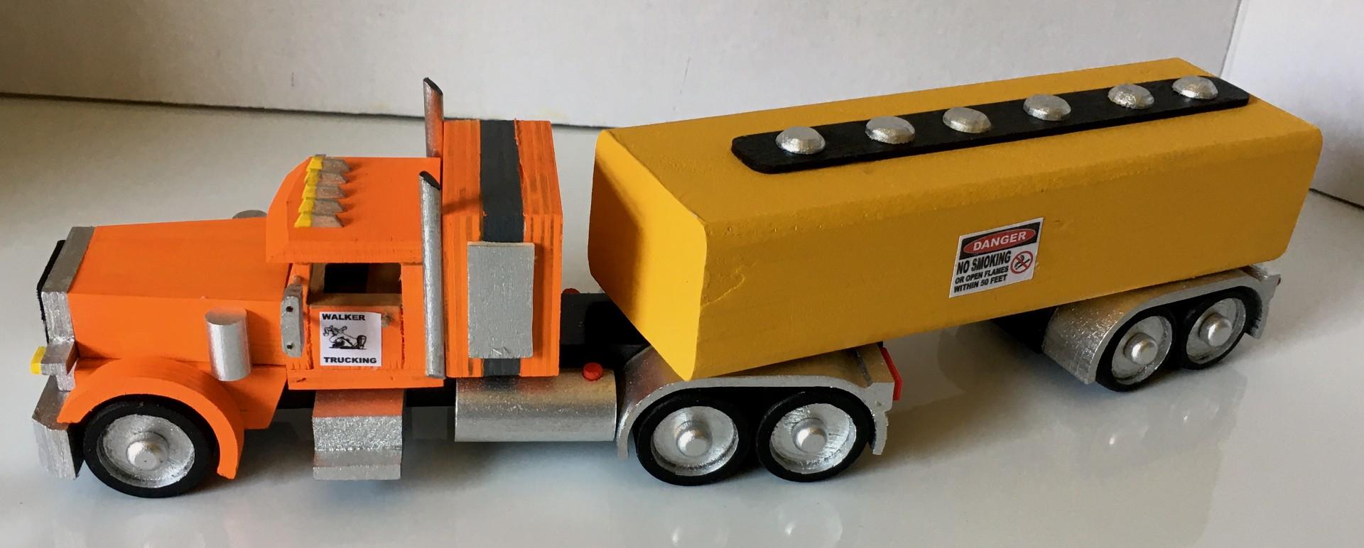 Peterbilt389 Tractor & Tanker Trailer.jpg