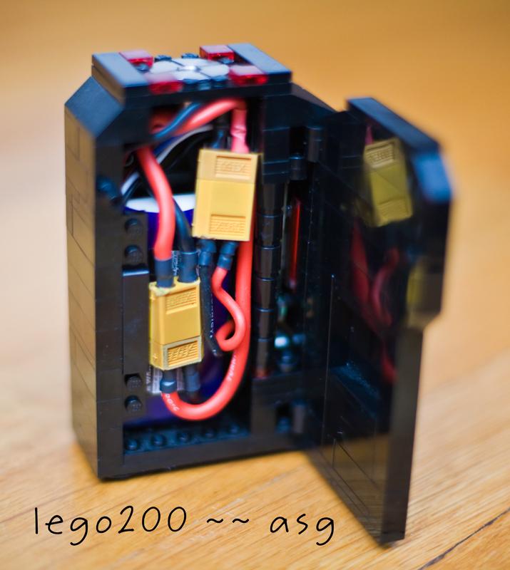 lego200_3.jpg