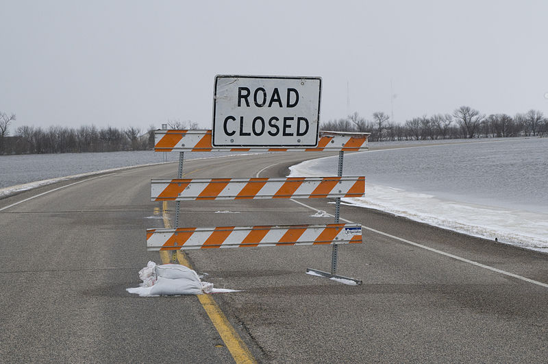 800px-FEMA_-_40322_-_Road_Closed_sign.jpg