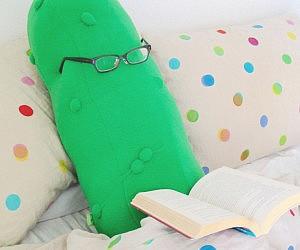 Giant Pickle Pillow.jpg