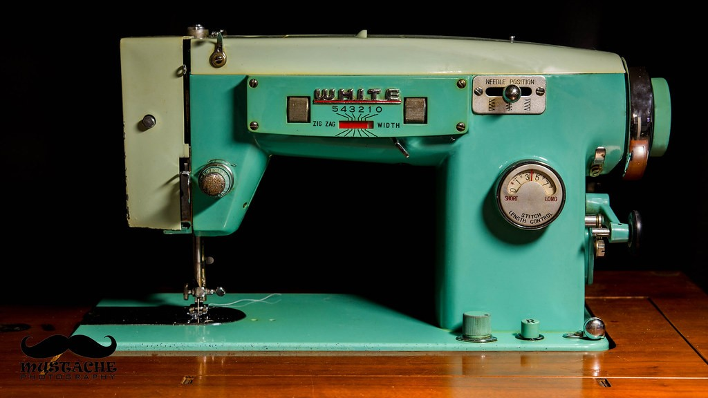 White 1563 sewing machine.jpg