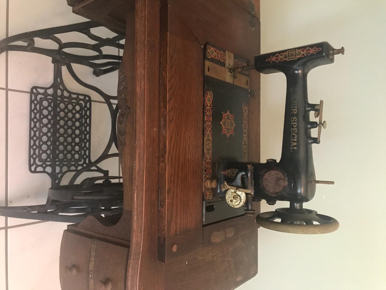 Sewing machine IMG_9428.jpg