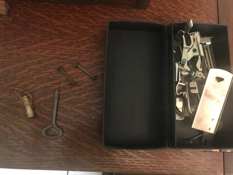 Sewing machine IMG_9192.jpg