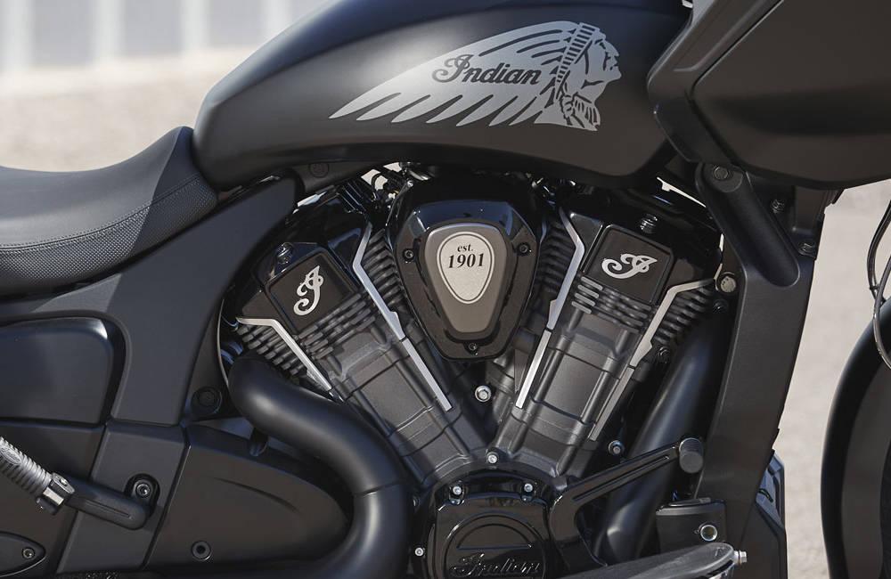 2020-indian-challenger-dark-horse-engine.jpg