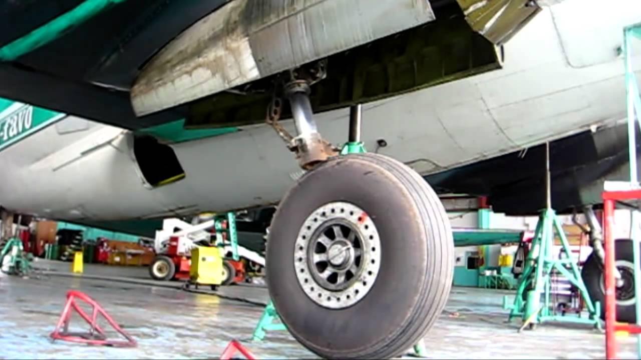 C-46 gear 1.jpg
