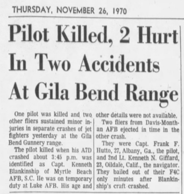A-7D and F-4C crashes Arizona 25 Nov 1970.jpg