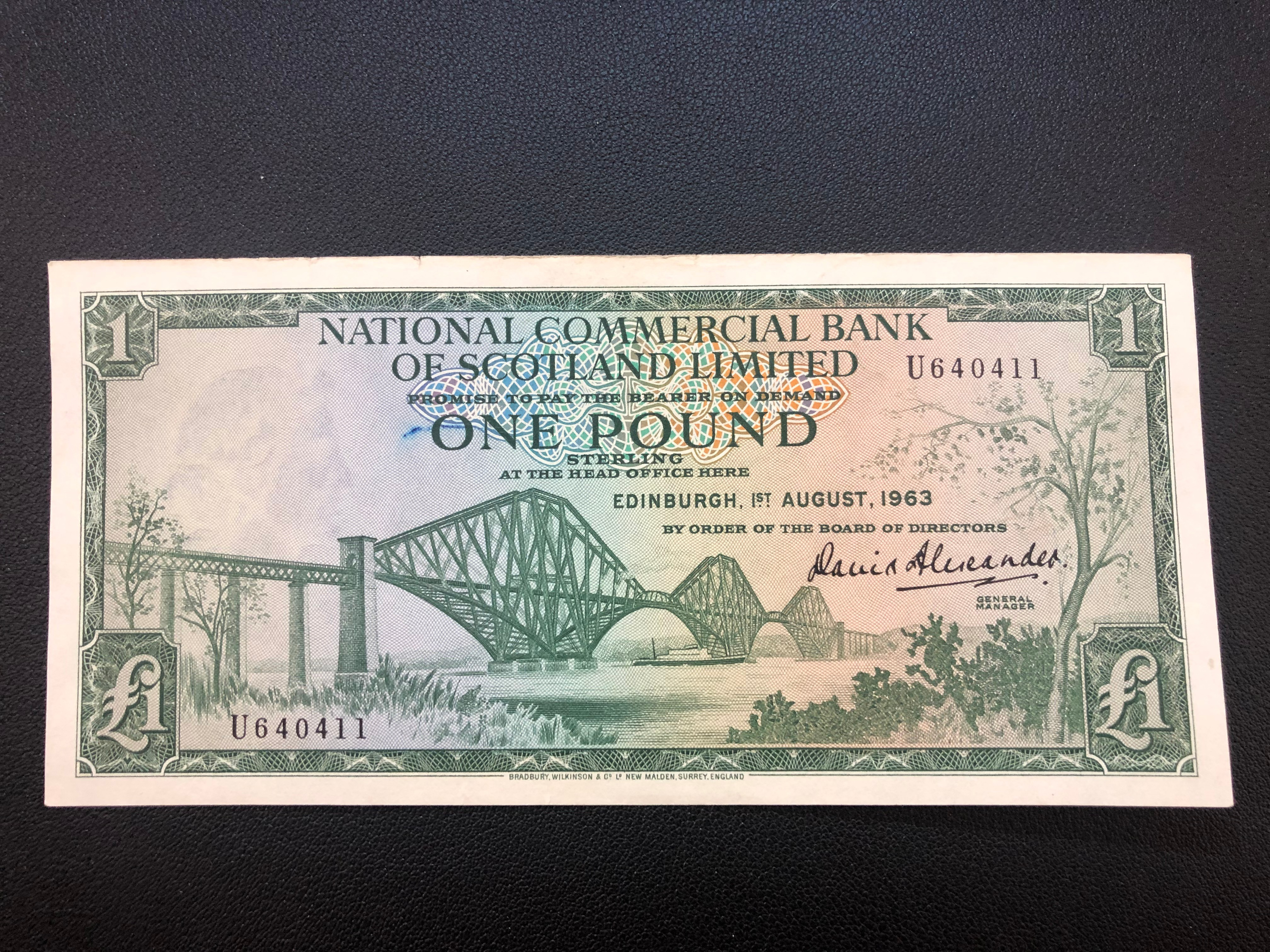 Scotland  1 Pound 1963 269a National Commercial Bank AU with top nick.jpg