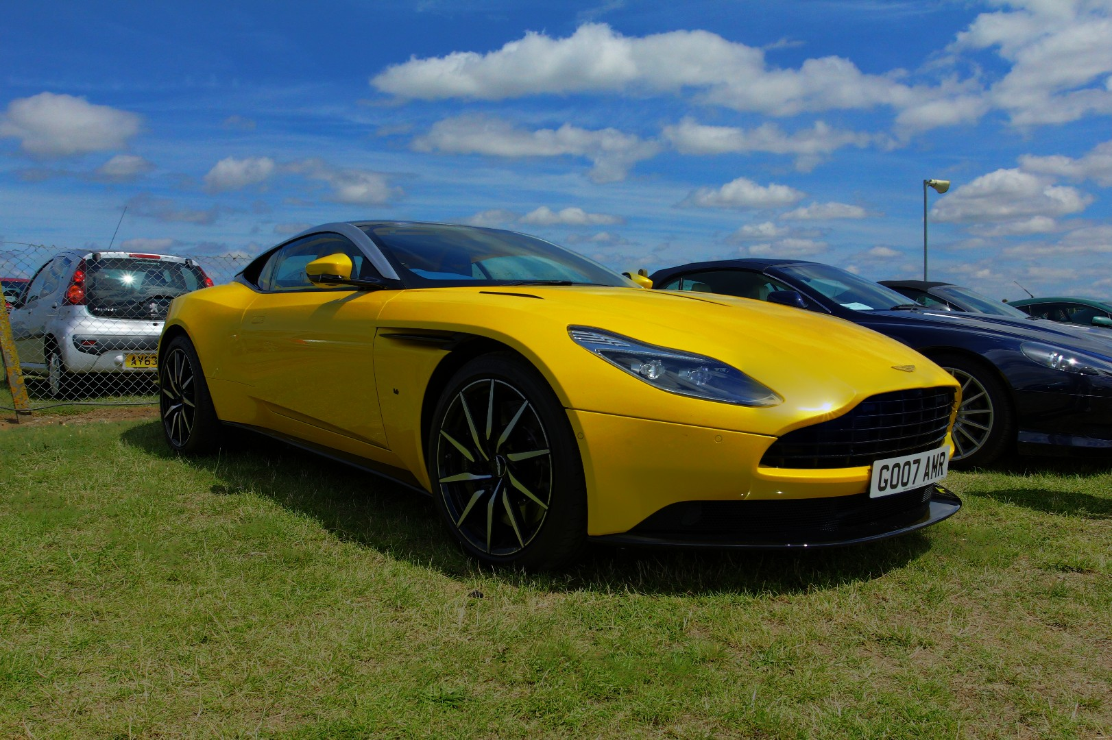 yellow-db-11-at-snetterton_35710944021_o.jpg