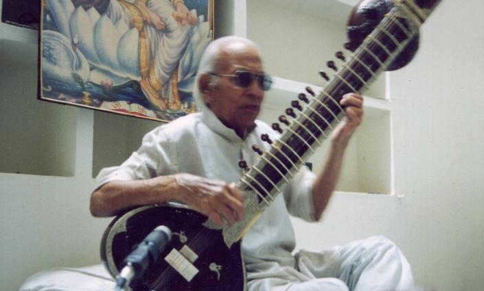 Dr. Rajbhan Singh 2.jpg