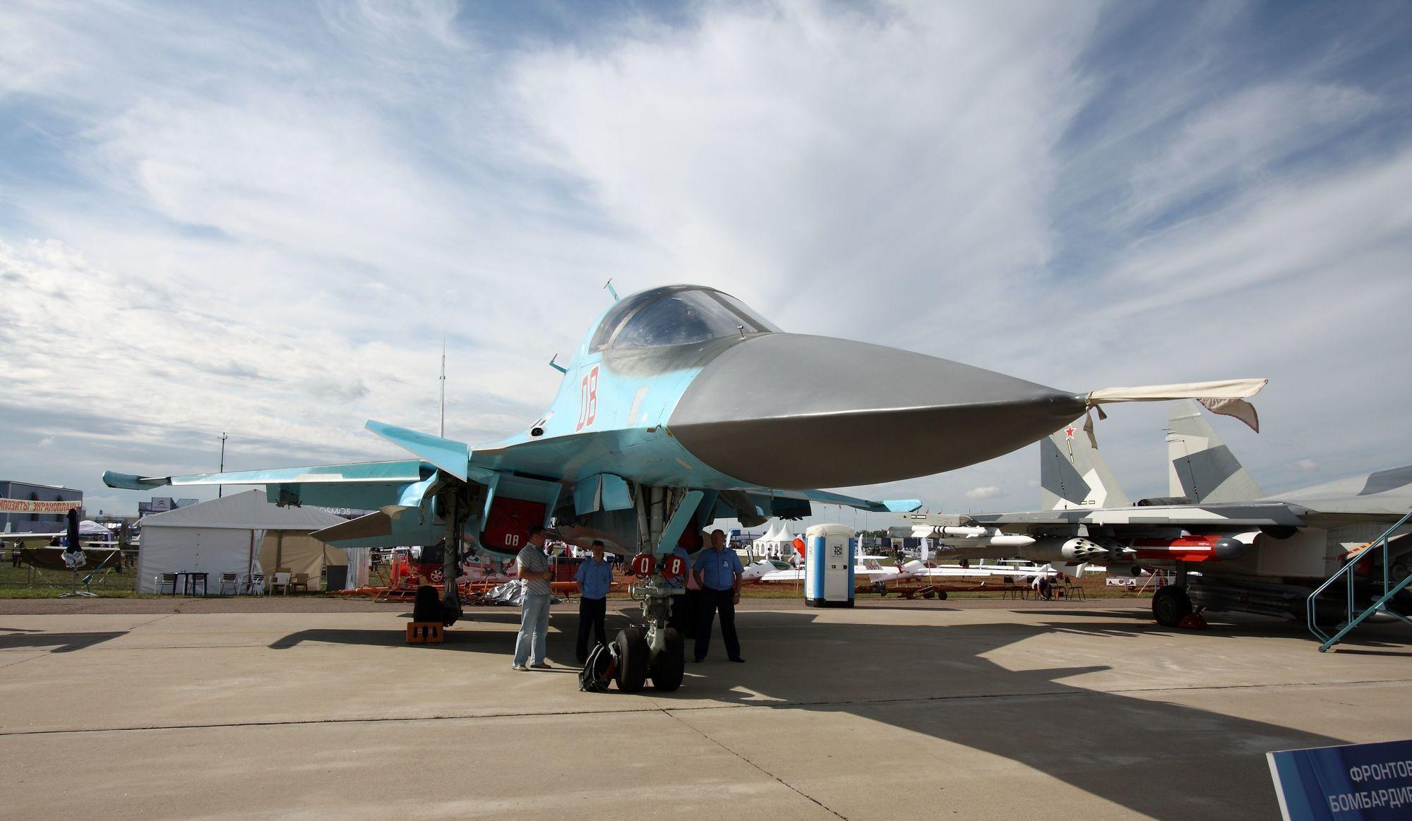 Sukhoi_Su-34_at_the_MAKS-2011_(01).jpg