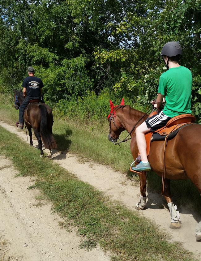 Name: Annie_trail_ride_1.jpg, Views: 358, Size: 261.32 KB