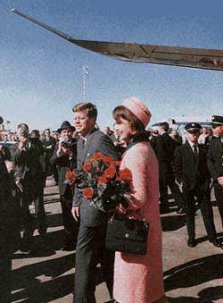 Jacqueline Kennedy Red Roses Texas.jpg