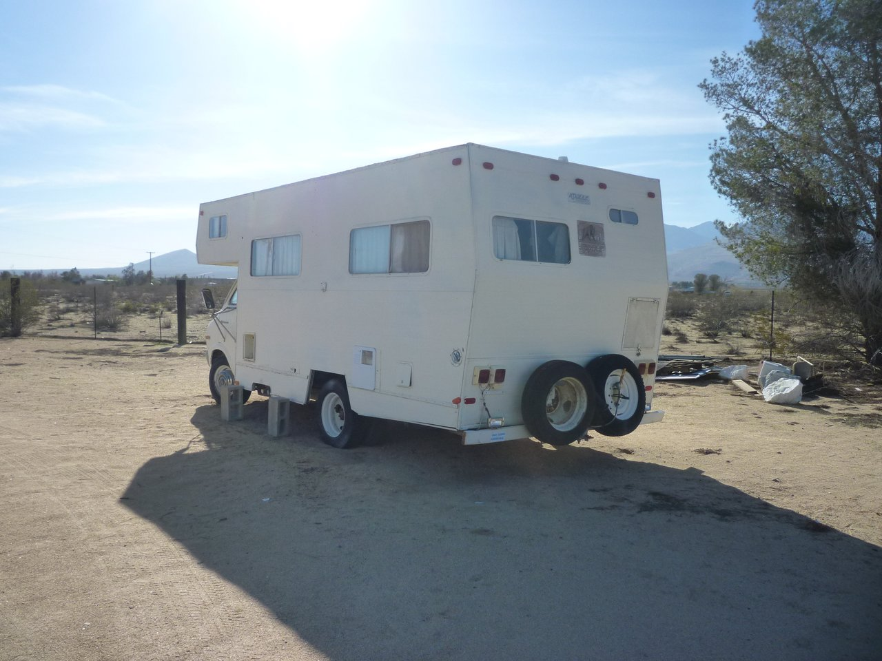 P1020474chili camper low.JPG